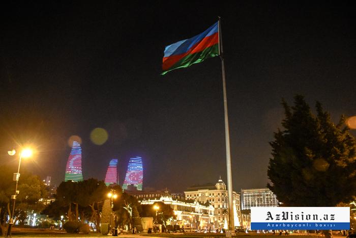 Baku is ready to celebrate New Year -  PHOTOS