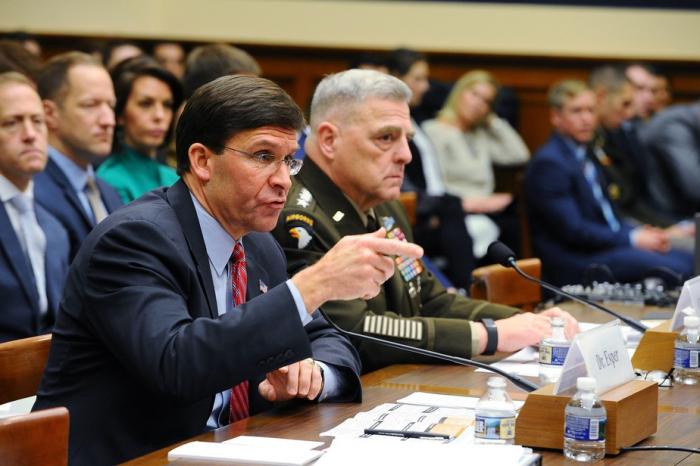 Le chef du Pentagone dénonce les «parasites» au sein de l'OTAN