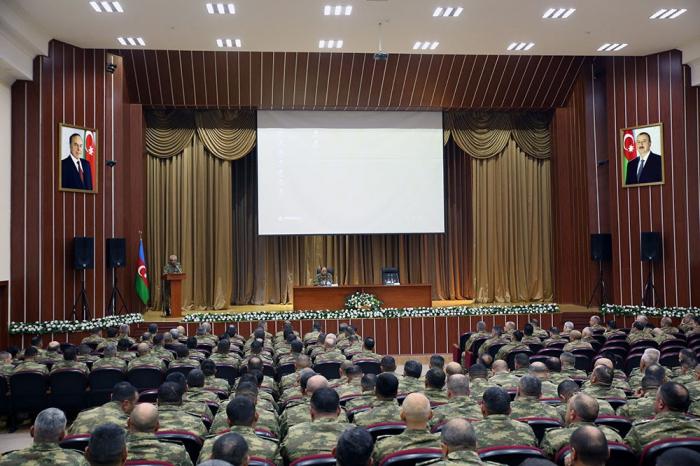 Orduda komandir heyətinin toplanışı keçirilir