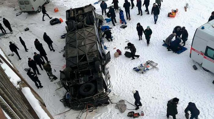 Rusiyada avtobus çaya aşıb - 19 ölü (VİDEO+Yenilənib)