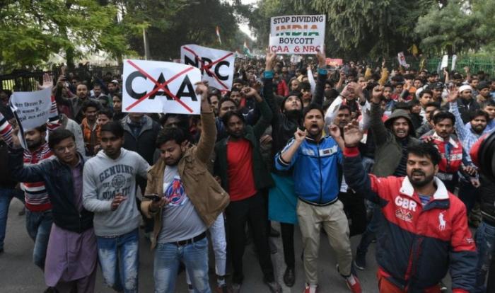 Hindistanda etiraz edən 3,3 min nəfər saxlanılıb, 11 sakin ölüb