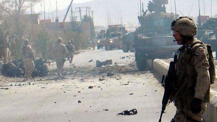 Əfqanıstanda hərbi bazaya hücum - Ölənlər var