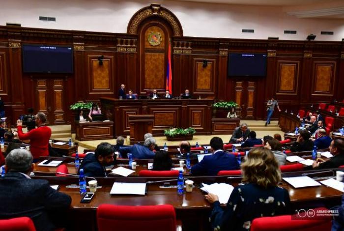 Ermənistanın parlament fraksiyaları büdcənin əleyhinə səs verəcək