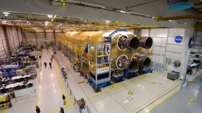 Le premier étage de la prochaine fusée pour la Lune est fini