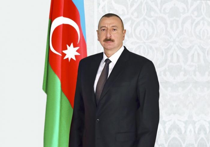 """Azərbaycanda """"Vəkil günü"""" təsis edildi"""