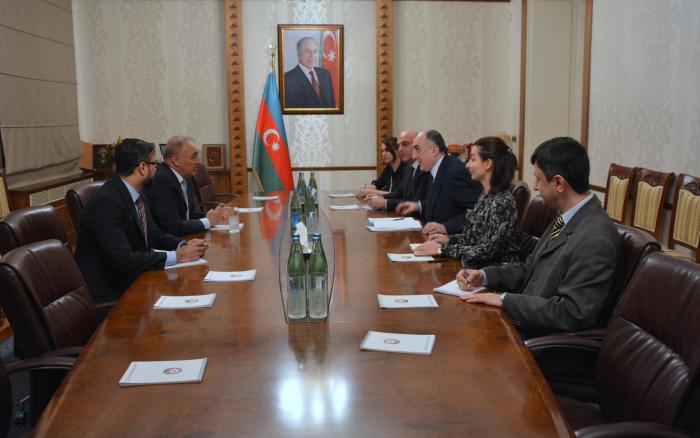 Azerbaijani FM meets Pakistani envoy upon completion of his diplomatic tenure