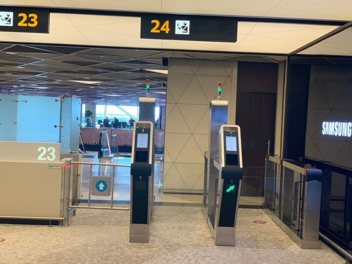 DSX aeroportda 2 elektron qapı quraşdırıb - FOTO