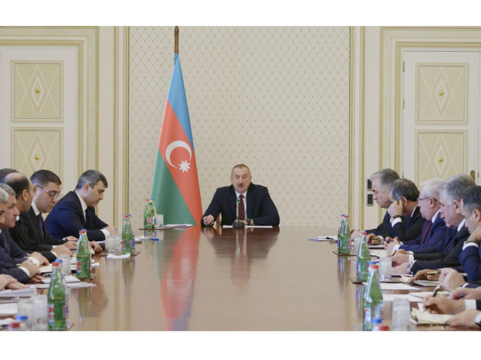President Ilham Aliyev chairs meeting on results of cotton-growing season