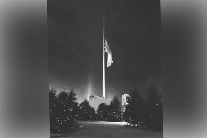 Qazaxıstanın əsas bayrağı endirildi