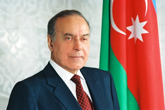 هذا هو يوم الذكرى للزعيم الوطني حيدر علييف