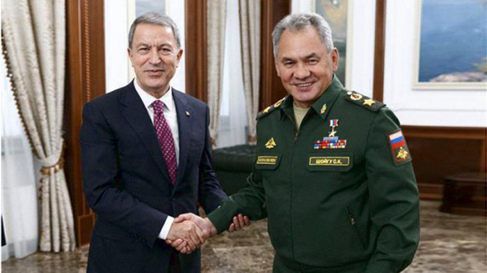 Turkish, Russian defense ministers discuss situation in northern Syria