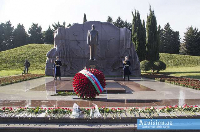16 ans se sont écoulés depuis le décès du leader national Heydar Aliyev