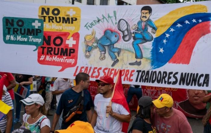 """Dünyada ilin yekunları: """"Venesuela baharı""""ndan İran payızına qədər – TƏHLİL"""