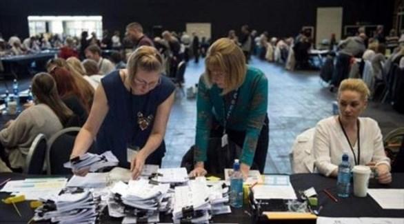 البريطانيون يدلون بأصواتهم في الانتخابات البرلمانية المبكرة