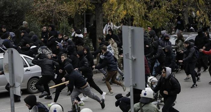 Yunanıstandakı iğtişaşlarda 77 nəfər saxlanılıb