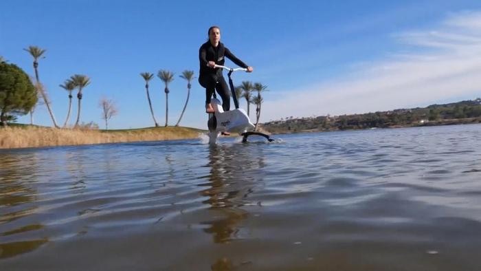 Voici le premier vélo aquatique au monde