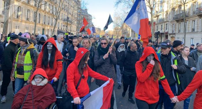 Appel national:   les Gilets jaunes manifestent de nouveau à Paris pour leur acte 62