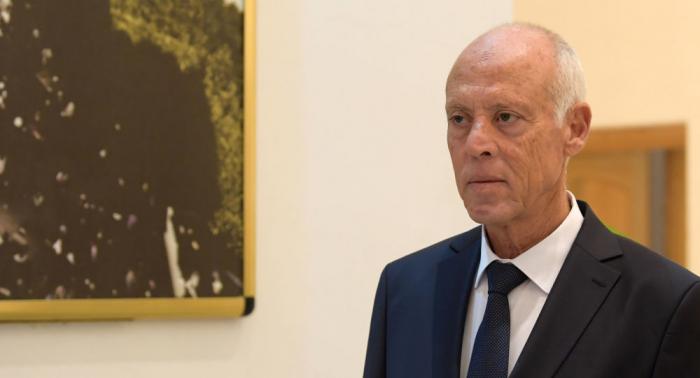 ماكرون وقيس سعيد يؤكدان ضرورة مشاركة تونس في أية مبادرة قادمة حول ليبيا