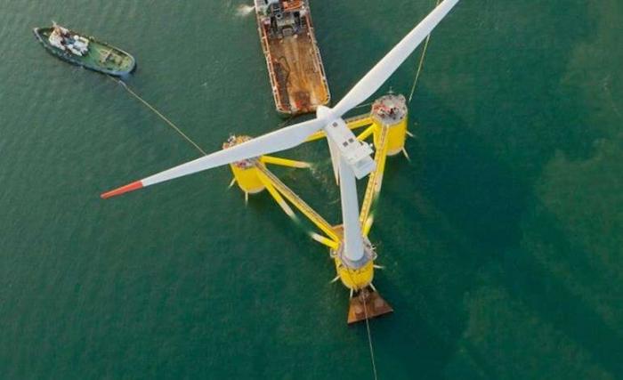 La plus grande éolienne flottante du monde entre en service au Portugal