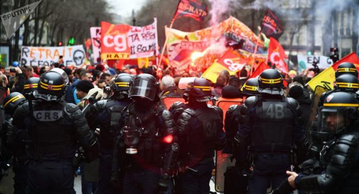 Policía francesa detiene a 27 personas durante protestas en París