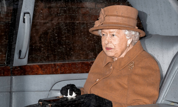 Isabel II reúne de urgencia al núcleo de la familia real para poner fin a la crisis de Enrique y Meghan
