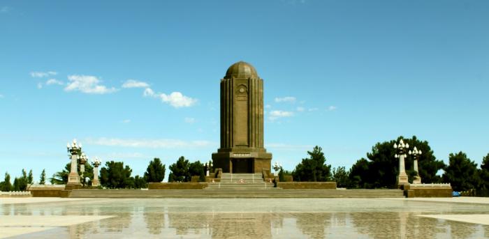 El Mausoleo de Nizamí - un monumento al grande poeta y pensador azerbaiyano
