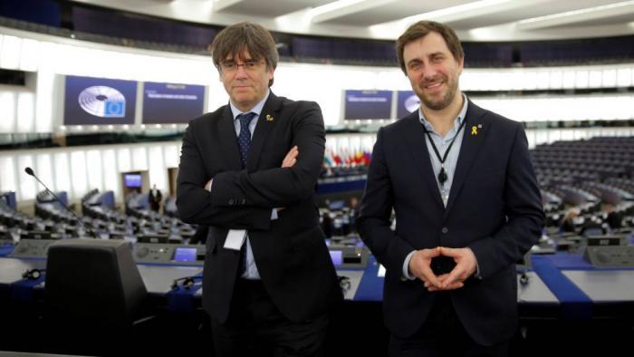 Puigdemont asume su escaño y España pide a la Eurocámara que le retire ya la inmunidad