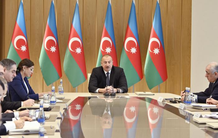 Ilham Aliyev a tenu une réunion consacrée au bilan de l'année 2019 - Texte intégral / Mise à jour