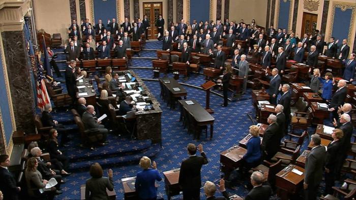El Senado de EE UU abre el juicio contra Trump con un nuevo informe oficial que le acusa de violar la ley