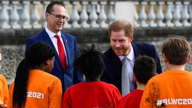 Megxit:   El Príncipe Harry retoma sus deberes reales