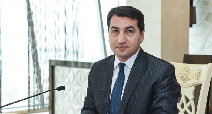Hikmat Hajiyev analiza el Premio Nobel de la Paz de Mijaíl Gorbachov