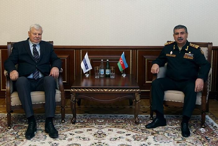 Verteidigungsminister Zakir Hasanov trifft sich mit Andrzej Kasprzyk