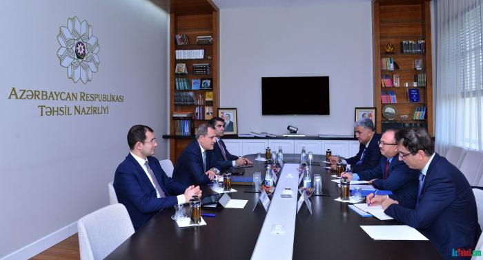 Ceyhun Bayramov se reúne con el embajador de Letonia en Azerbaiyán