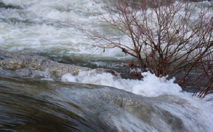 - suyun səviyyəsi artıb