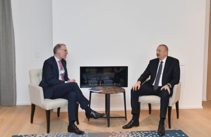 """Prezident Davosda """"Carlsberg Group""""un rəhbəri ilə görüşdü - FOTO"""