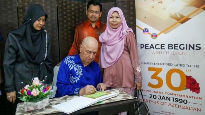 La campaña de ayuda dedicada al 30 Aniversario de la Tragedia del 20 de Enero en Malasia
