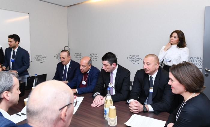 Prezident Davosda keçirilən iclasda iştirak edib - FOTO