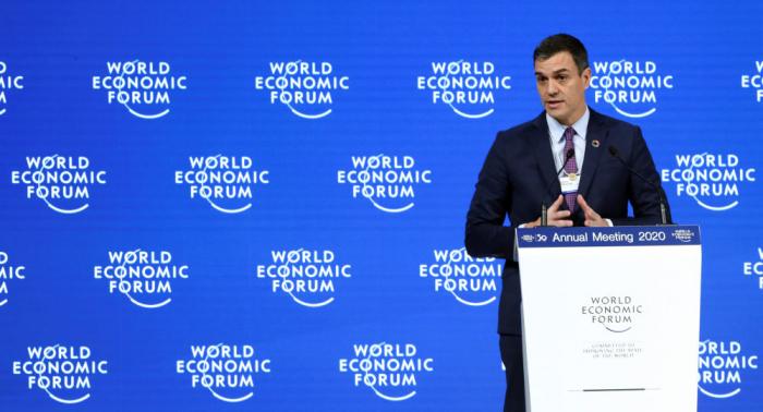 Pedro Sánchez se compromete con el crecimiento económico sostenible en Davos