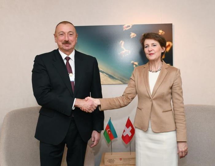 Ilham Aliyev se reunió con la Presidenta de la Confederación Suiza