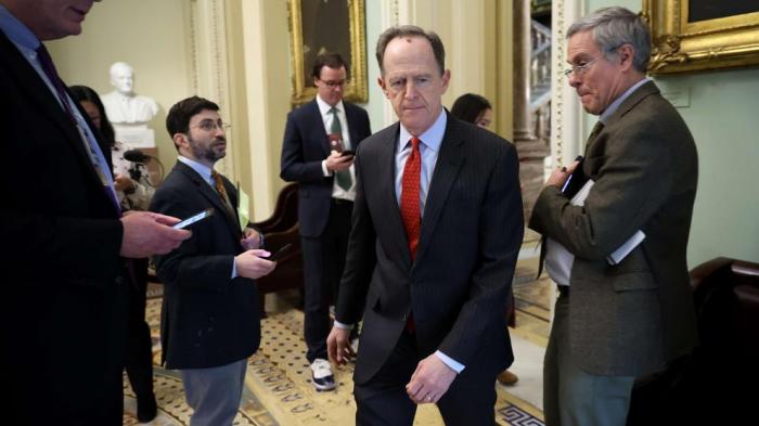Golosinas, leche y dieta tecnológica, el estricto régimen de los senadores durante el 'impeachment'