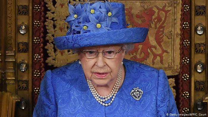 Queen Elizabeth II approves UK government