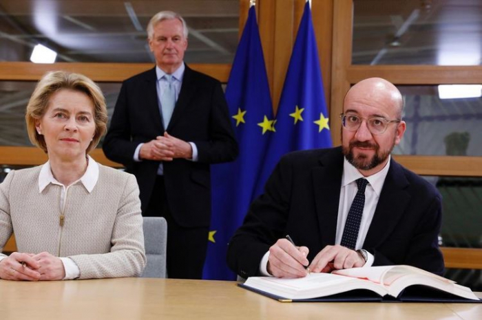 EU chiefs sign Brexit deal ahead of parliamentary vote