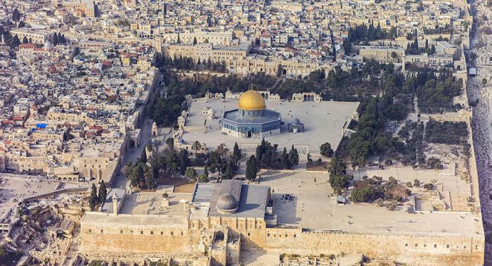 Incendian y profanan una mezquita en Jerusalén