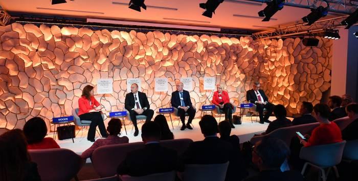 Davos Forum:  Drei Siege von Ilham Aliyev