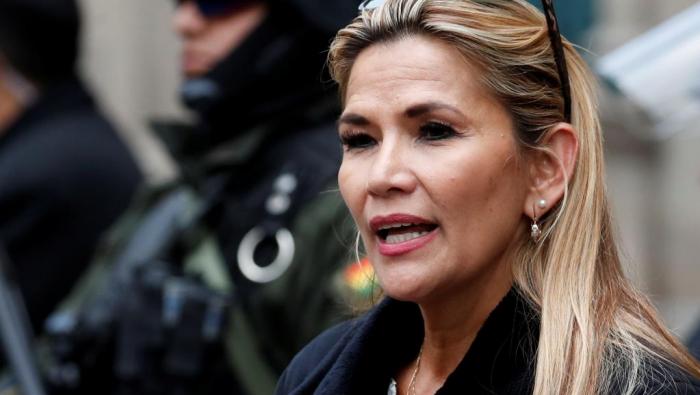 Bolivie:   la présidente par intérim annonce sa candidature à la présidentielle