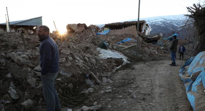 Más de 15.000 personas en refugios temporales tras terremoto en Turquía