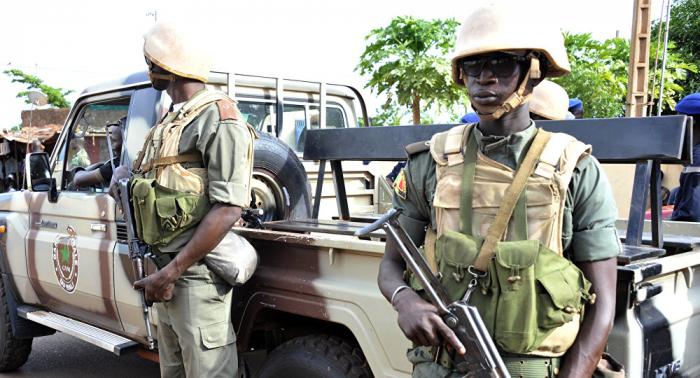 Decenas de muertos en ataque a base militar en Malí
