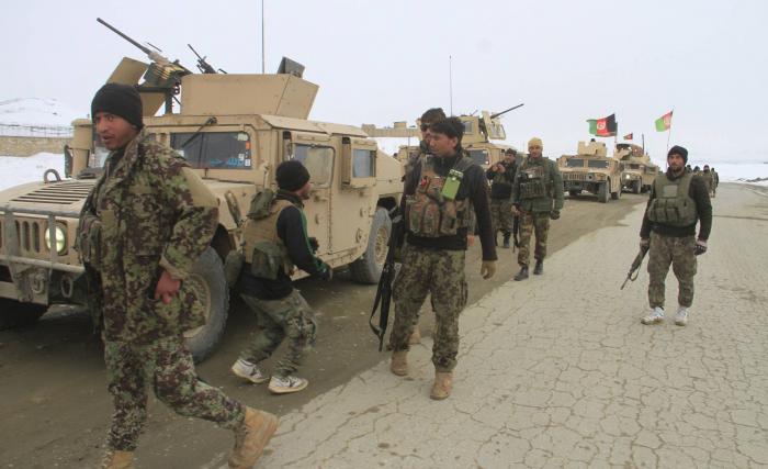 Los talibanes se atribuyen el derribo de un avión estadounidense en Afganistán
