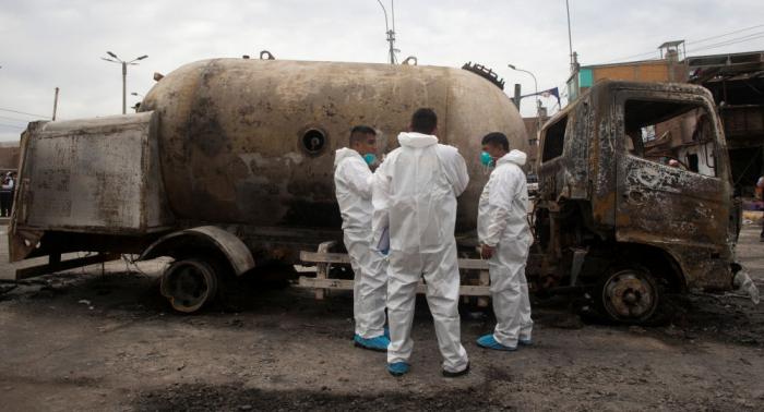 Se eleva a 15 los muertos por explosión en Lima de camión con gas