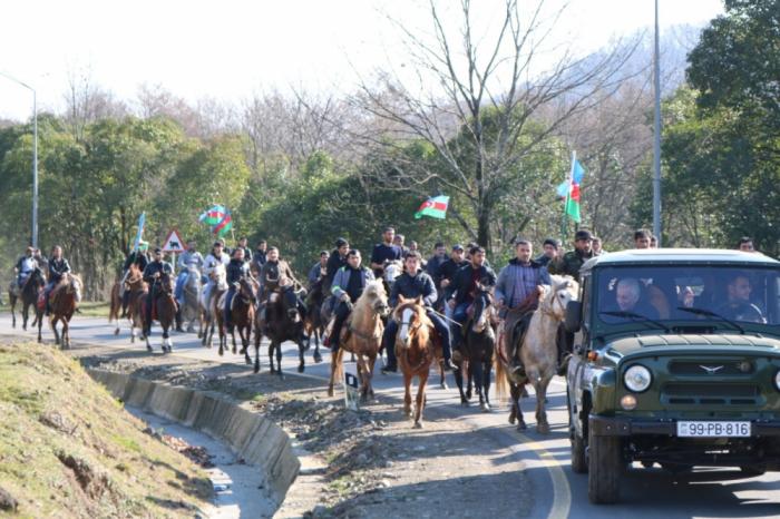 Hirkan Milli Parkında atlarla yürüş olub